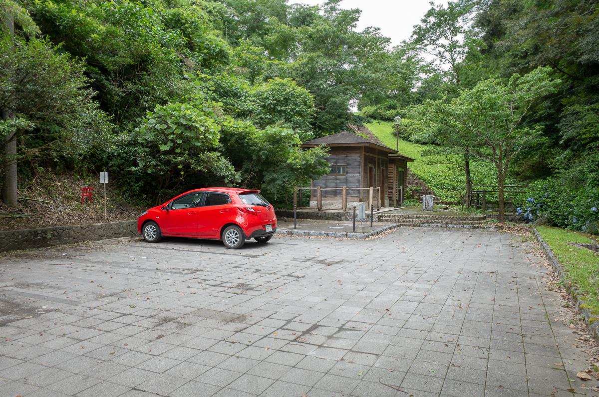 住吉池の駐車場2